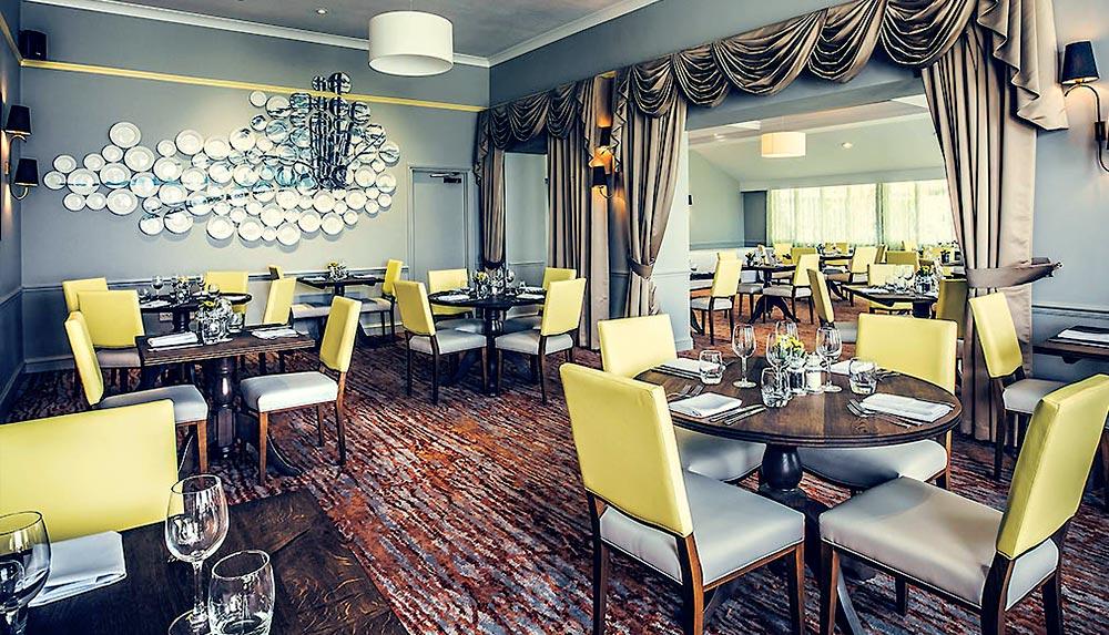 Management training delegates restaurant in Bristol