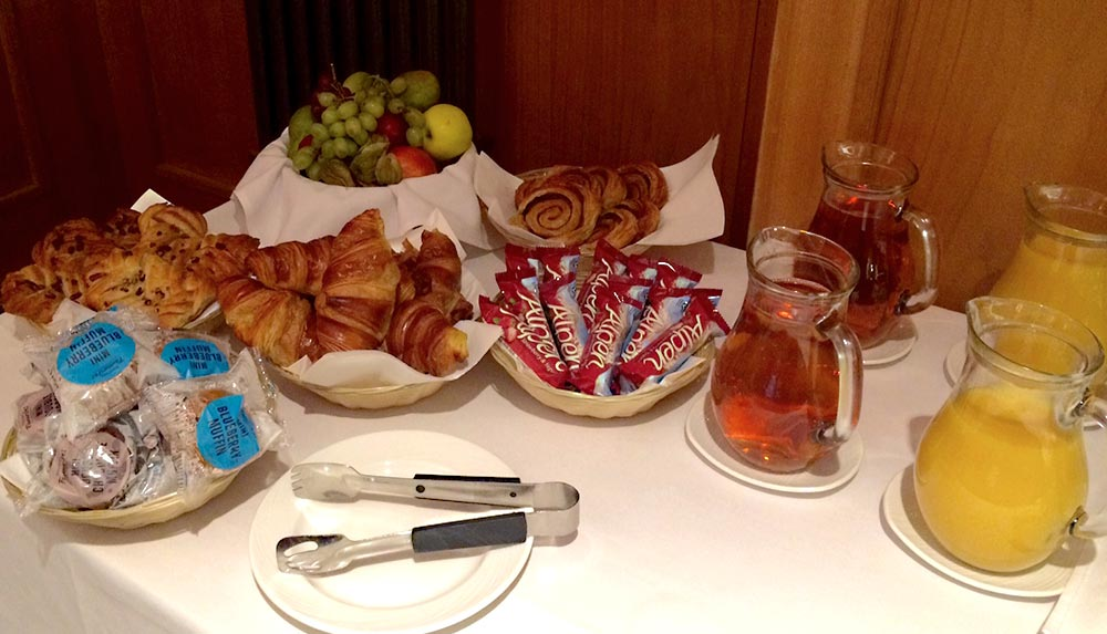 Breakfast setup for management courses in glasgow
